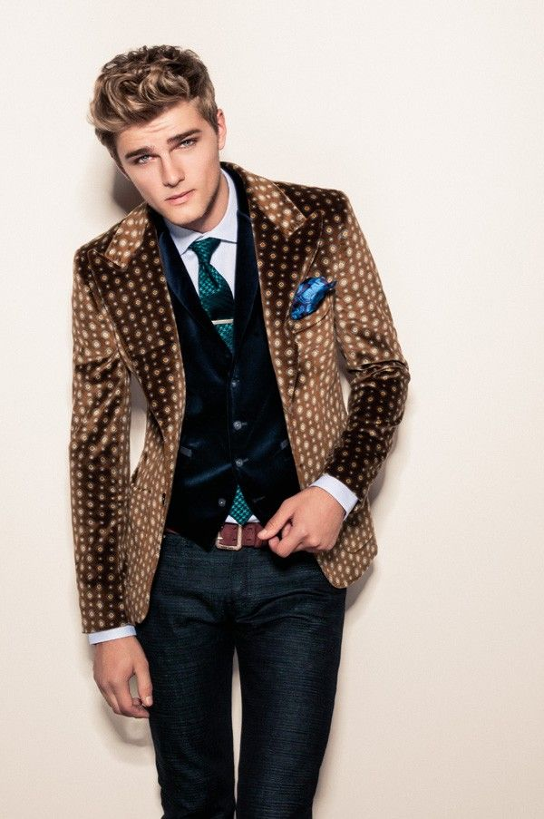5 Trendy New Years Eve Oufits For Men & Women | Divine Style