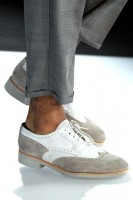 Men's Spring Wardrobe Essentials, men's spring shoes white with gray