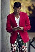men's Style Mistakes, men's red blazer floral pants white vneck