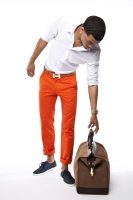 6 must haves men's summer style, men's orange chino's, white button down and navy shoes