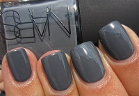 fall 2016 nail polish trends, Nars charcoal gray nail polish small