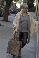 Foolproof tips trendy airport style-leather leggings, layered sweaters with animal print tote 200