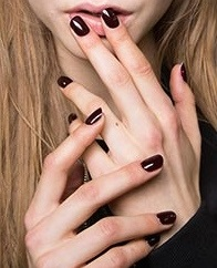 fall 2016 nail polish trends, dark polish