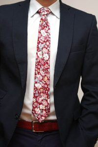 spring color trends 2017, men's navy suit with red and pink floral tie