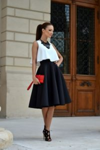 summer date night outfit, midi skirt, tank top, statement necklace and high heels