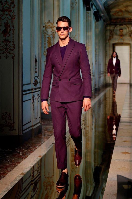 3 Key Pieces that Change Your Look, men's colorful suit, men's burgundy suit with black tshirt-min
