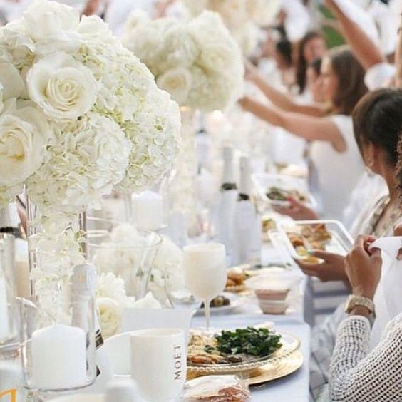 Dîner en Blanc decor, Dîner en Blanc white table with white flowers