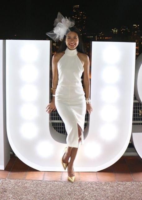 Diner en Blanc decor and more, diner en blanc outfit, diner en blanc white fascinator and white dress