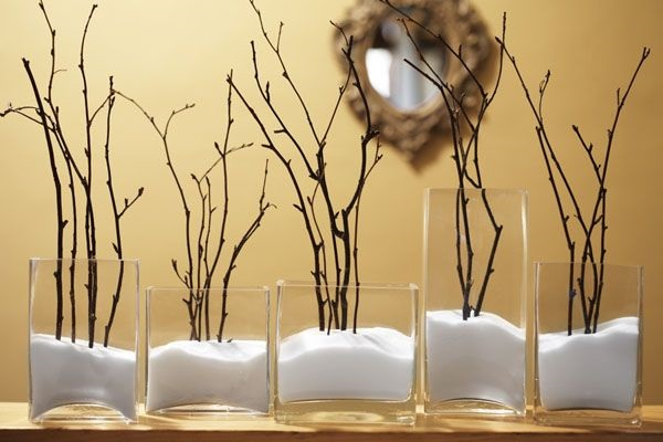 Jewelry Organization…Keep Your Jewels in Style, twigs and branches are natural decorative elements that look great when painted and are perfect to hang necklaces, bracelets or earrings.
