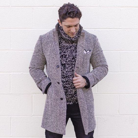 Stylish Looks for Holiday Travel, Winter Chic Skiing and Mountain men's outfit, men's chunky knit sweater