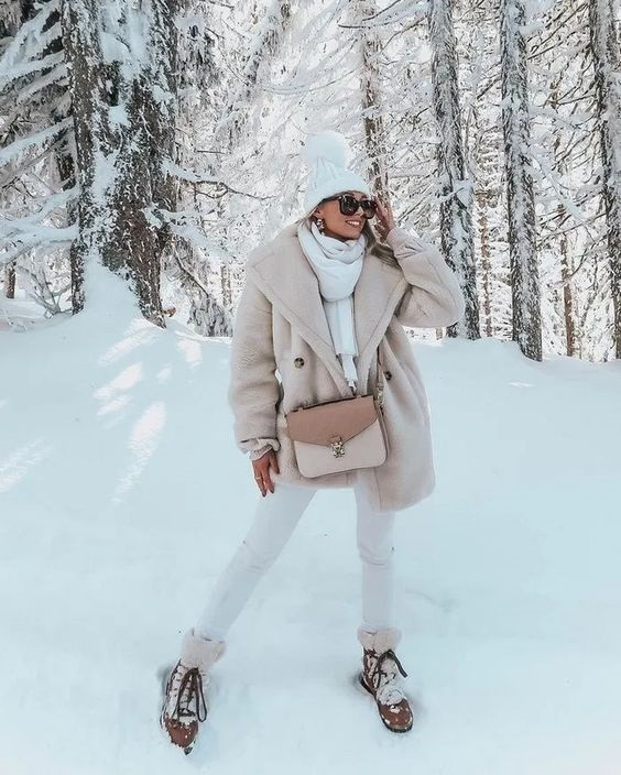 Ski Into Style…Stylish Looks for Winter Vacation Destinations, women's apres ski outfit