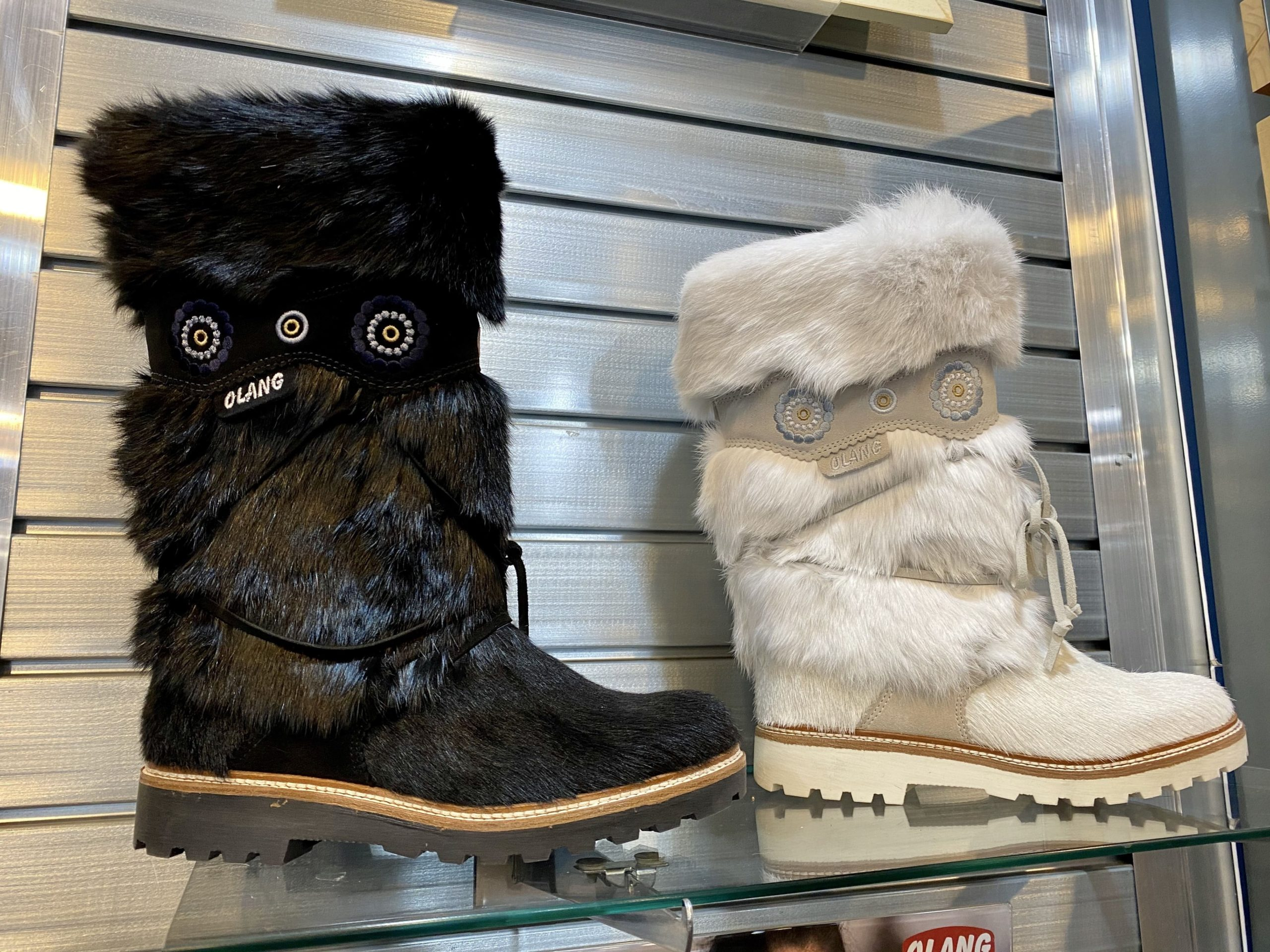 Vail Style…What to Wear and Where to Shop, waterproof warm boots, winter snow boots
