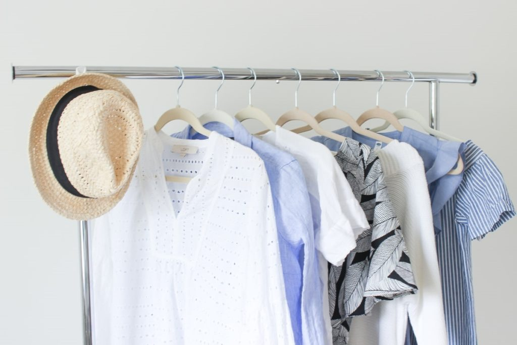 How to Create a Spring Capsule Wardrobe in 8 Pieces
