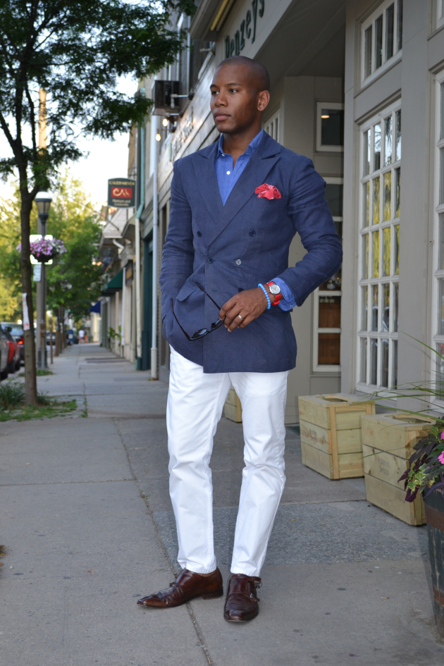 What Should Be On Your Style Radar for Spring, nautical style, men's nautical outfit, men's white pants, blue shirt, chambray sport coat