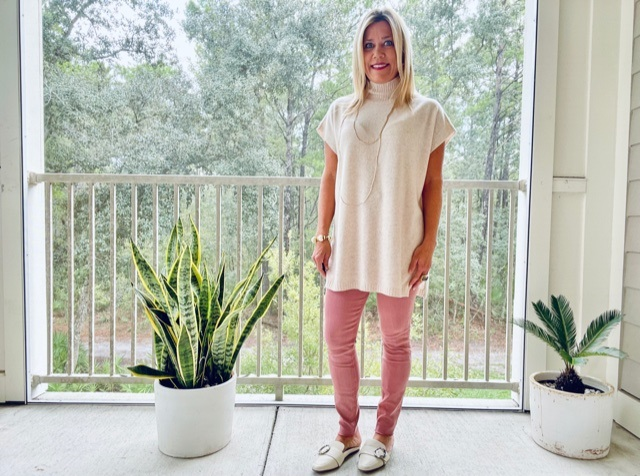 Dressing for Fall in Warm Climates, women's fall knit sweaters, Divine Style, personal stylist